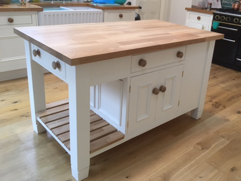 small or large islands made to suit your kitchen, designed to any size and space call the Bramble Tree in Newark, near Gainsborough